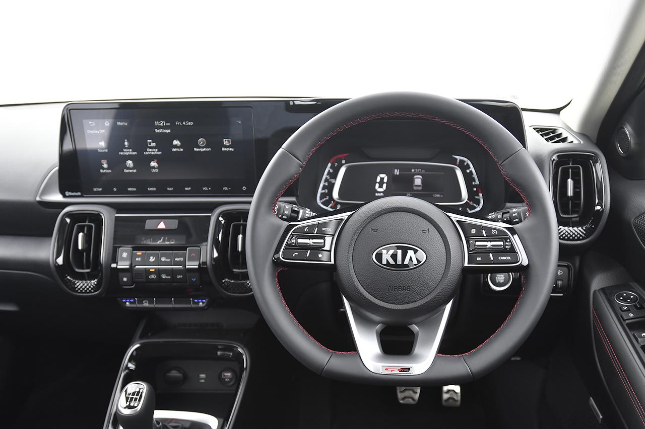 Kia Sonet multifunction steering wheel